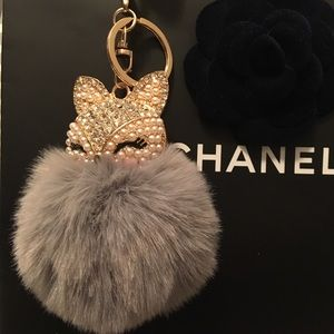 Accessories - New Absolutely Adorable Silver Fox Bag/Keychain
